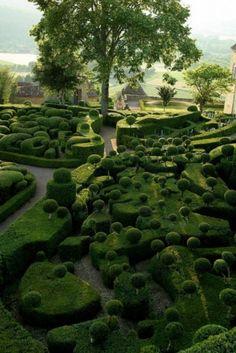 Gardens of Marqueyssac in Dordogne, #topiary #landscaping #formalgarden #boxwood - More wonders at www.francescocatalano.it