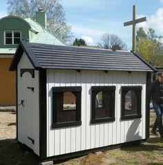 Kyrkans förskola Lekstuga  18 000kr Stockholm, Shed, Outdoor Structures, Garden, Lean To Shed, Garten, Lawn And Garden, Gardening, Outdoor