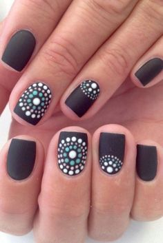 You seem to be a perfectionist who never fails to dress her nails with classy Black Nail Art Designs and Ideas. Don't miss to read these intelligent tips