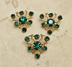 Vintage Emerald Green Heart Figural Rhinestone Scatter Brooch 3 Pins is a very sweet set of scatter pins in an open work design with all prong set stones.  To more closely inspect photos, simply click