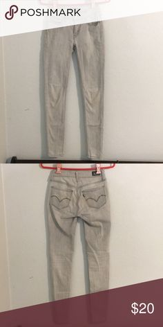 Levi's jeans Basic grey Levi's jeans great edition to your wardrobe can be worn with almost anything! Levi's Jeans Skinny