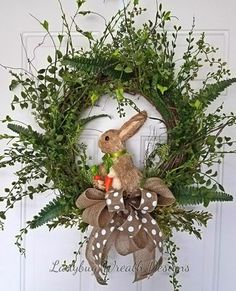 24 Adorable Easter Front Door Wreaths Looking for Easter decorating inspirations for your front door. Try one of these 24 Adorable Easter front door wreaths and door hanger ideas! They will put a smile on your face and warm your heart. Diy Spring Wreath, Diy Wreath, Spring Crafts, Wreath Ideas, Wreath Making, Wreath Crafts, Spring Front Door Wreaths, Wreath Burlap, Diy Crafts