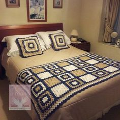 granny square and chevron blanket - in Modern Granny Square Crochet and More (Book Crochet Blanket Edging, Crochet Bedspread, Crochet Quilt, Crochet Blocks, Granny Square Crochet Pattern, Crochet Squares, Crochet Home, Crochet Granny, Crochet Motif