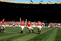 Man Utd 2 Liverpool 1 in May 1977 at Wembley. United players celebrate going infront for the time in 5 minutes in the FA Cup Final. Retro Football, School Football, Fa Cup Final, Football Pictures, Old Trafford, Manchester United, Liverpool, Finals, How To Memorize Things