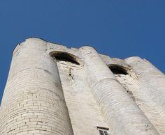 Donjon de Niort #tourisme #campingcar Château Fort, France, Camping, Car, Tourism, Campsite, Automobile, Cars, French Resources