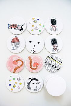 Have your kiddo draw two sets of each doodle on white paper coasters. When the artist is done, challenge them to a game of Memory!- Little Passports #littlepassports #memorygame #kidscraft #kidsgame