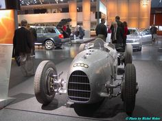 Vintage Racing, Vintage Cars, Antique Cars, F1 Racing, Racing Team, Steve Mcqueen Le Mans, Mechanical Art, Old Race Cars, Thing 1