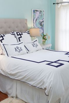 LOVE this bedding from @Margaret Martinez Martinez Elizabeth bedroom. Photography by joshgruetzmacher.com, #beds  Read more - http://www.stylemepretty.com/2011/08/25/mesa-wedding-by-chantel-marie-photography/
