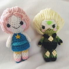 Pearl and Peridot amigurumi from Steven Universe!  #amigurumi #crafts #crochet #yarn #pearl #peridot #stevenuniverse #su #cartoonnetwork #cartoon #cute