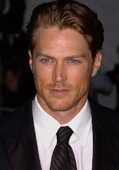 jason Lewis, best know for his role of Smith in Sex and the City.