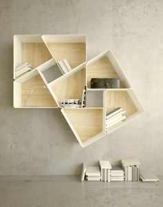 Estanteria Modular Bookcase You may also like: 20 Uberstylish Modular Wall-Mounted Shelving Systems Deco Design, Wood Design, Design Tech, Yanko Design, Design 24, Wood Furniture, Furniture Design, Furniture Ideas, Modular Furniture