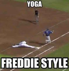 Freddie Freeman - What a stretch!!