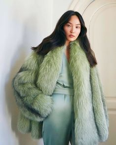 Stay tuned for more posts so far. Chinchilla Fur Coat, Fur Fashion, Womens Fashion, Fabulous Fox, Animal Fur, Furry Girls, Fox Fur, Asian Woman, Mantel