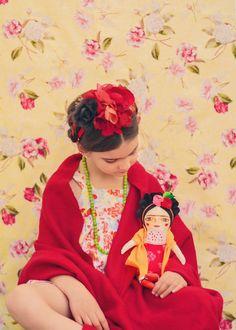 Frida Kahlo Cloth doll Handmade doll stuffed by MandarinasDeTela Doll Painting, Fabric Painting, Hand Painted Fabric, Thick Eyebrows, Powerful Images, Fabric Dolls, Rag Dolls, Inspiration For Kids, Handmade Toys