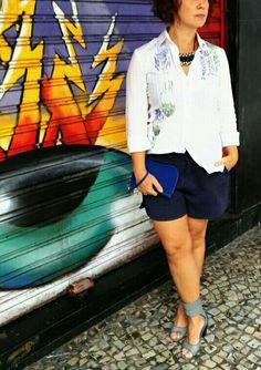 Camisa #AXArmaniExchange (doada), Colar #Accessorize, Carteira Neoprene #Joefresh, Short loja Galeria Condor RJ e Sandália #Cristofoli