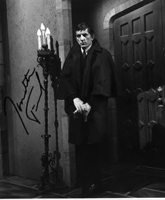 DARK SHADOWS JONATHAN FRID SIGNED PHOTO 8X10 RP AUTOGRAPHED BARNABUS | #343276135