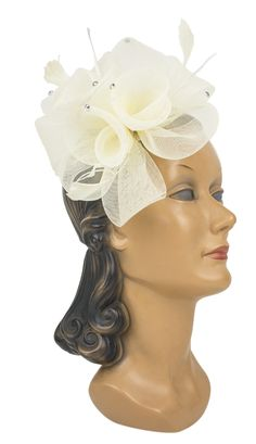 Make your next night out one to remember with this fancy Rhinestone Rosette Hairclip!