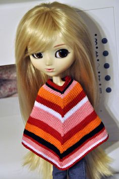 That Seventies Poncho, Pullip version by NPQC Blog, via Flickr free pattern