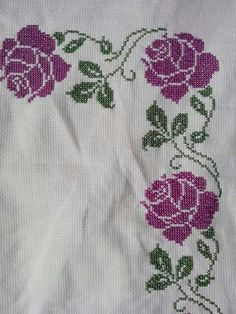 This Pin was discovered by Gul Cross Stitch Art, Cross Stitch Borders, Cross Stitch Animals, Cross Stitch Flowers, Cross Stitch Designs, Cross Stitching, Cross Stitch Embroidery, Hand Embroidery, Cross Stitch Patterns