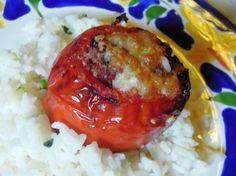 Tomates recheados http://grafe-e-faca.com/pt/receitas/entradas-petiscos/petiscos-receitas/tomates-recheados/