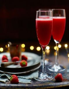 Seven gorgeous cocktails for Valentine's Day - Jamie Oliver Cocktail Party Food, Party Food And Drinks, Cocktail Drinks, Fun Drinks, Yummy Drinks, Cocktail Recipes, Alcoholic Drinks, Bellini Cocktail, Beverages