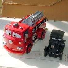 2pcs/set 1/55 schaal speelgoed pixar cars 2 radiator springs lizzie en rood vuur- motor gegoten metalen auto speelgoed voor gift/kinderen(China (Mainland))