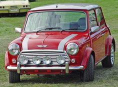 Un Mini Cooper exactamente como el de la foto. Simplemente belleza!