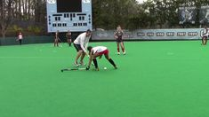 Two weekends ago, the U. Women's National Team gathered in Chapel Hill, N. for a training camp. Here is the the USWNT coaching staff explaining. Field Hockey Drills, Coaching Techniques, Usa Mobile, Hockey Training, Team Usa, Exercise, Education, Sports, Chapel Hill