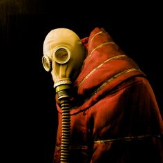 Classical gas mask.