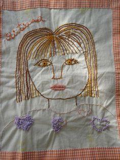 Os alunos fizeram o seu auto-retrato e depois bordaram-no. No final juntou-se tudo num painel da turma...