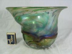 Formschöne, große Joska Studio Design Glas Vase irisierend im Jugendstil  1985