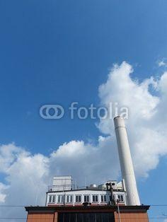 Heizkraftwerk mit hohem Schornstein in Frankfurt am Main in Hessen