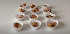 Cacahuètes caramélisées Menu, Mini Cupcakes, Vegan, Desserts, Shop, Gentleness, Eat, Menu Board Design, Postres