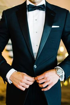 A Formal Fourth-of-July Wedding in New York City This could definitely be a possibility for my husband and/or groomsmen! I'm in love with a black tie affair! The post A Formal Fourth-of-July Wedding in New York City appeared first on Womans Dreams. July Wedding, New York Wedding, Spring Wedding, Wedding 2017, Wedding Anniversary, Terno Slim Fit, Party Suits, Men Party, Party Wear