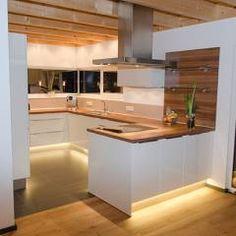 Moderne Küche Bilder: Einfamilienhaus Mit Doppelgarage