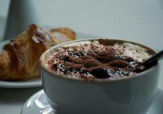Cappuccino & cornetto time
