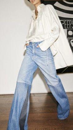 Victoria Beckham Jeans, Victoria Beckham Style, Victoria Beckham Collection, Xl Shirt, Pantalon Large, Flare Leg Jeans, Glamour, Silk Top, Daily Fashion