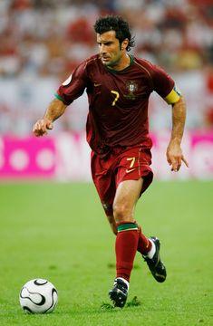 Luís Figo Fifa Football, Best Football Players, Football Is Life, Good Soccer Players, World Football, Football Shirts, Beckenbauer, Portugal Soccer, Portugal National Team