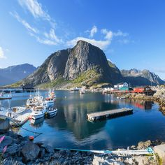 If there is one place in Norway that I will definitely recommend and that I am totally bonkers about, it is Lofoten. It is simply one of the most beautiful places to visit and if ever you decide to chase the northern lights, this is the place to book your holiday. Here you can experience […] The post Lofoten – The Most Beautiful Place on Earth appeared first on TRAVEL AND HOME®.