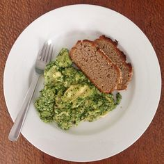 """""""#iqs8wp Pesto Eggs, served with homemade gluten free buckwheat toast. Breakfast perfection! #iqs #iqsjerf #jerf #justeatrealfood #wholefood #realfood…"""""""