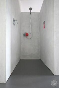 Naadloos en schoon. Met een Senso gietvloer in de badkamer, behoren schimmel en kalkaanslag tot het verleden. In combinatie met Senso's wandafwerking heb je ook geen kitaansluiting.