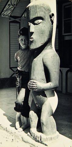 Photo by Ans Westra, Wellington, New Zealand, 1968 Tiki Totem, Tiki Tiki, Statues, Polynesian People, Maori People, Tiki Lounge, New Zealand Art, Maori Art, Kiwiana