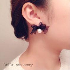 pearl ribbon pierce. by 0r10n. アクセサリー ピアス