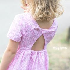 Jersey - A classic dress with a twisted back { Young Girl - 18mth to 3 yrs }