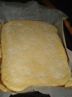 Reteta Prajitura cu mere din Carte de bucate, Dulciuri. Specific Romania. Cum sa faci Prajitura cu mere Food And Drink, Dairy, Bread, Cheese, Brot, Baking, Breads, Buns