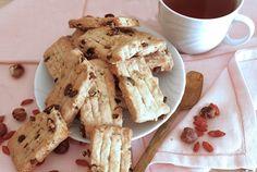 Biscotti vegani con bacche di gogi