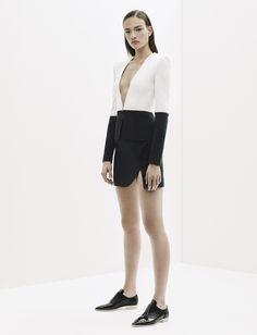 Mugler Parigi - Collections Fall Winter - Shows - Vogue. Fashion Week, Love Fashion, Runway Fashion, High Fashion, Fashion Show, Fashion Design, Fashion Trends, Fashion Spring, Bouchra Jarrar