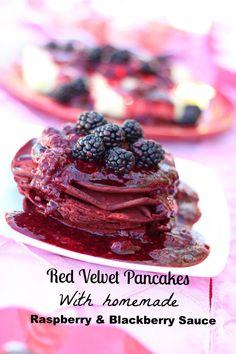Delicious Red Velvet Pancakes with homemade raspberries & Blackberries Sauce. Blackberry Sauce, Raspberry Sauce, Appetizer Recipes, Dessert Recipes, Appetizers, Red Velvet Pancakes, Delicious Desserts, Yummy Food, Power Breakfast