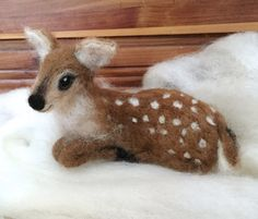 Needle Felted Deer Fawn Curled Up Laying Down door ClaudiaMarieFelt
