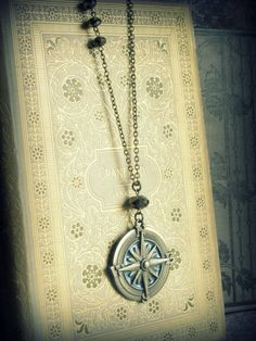 compass necklace. I want!